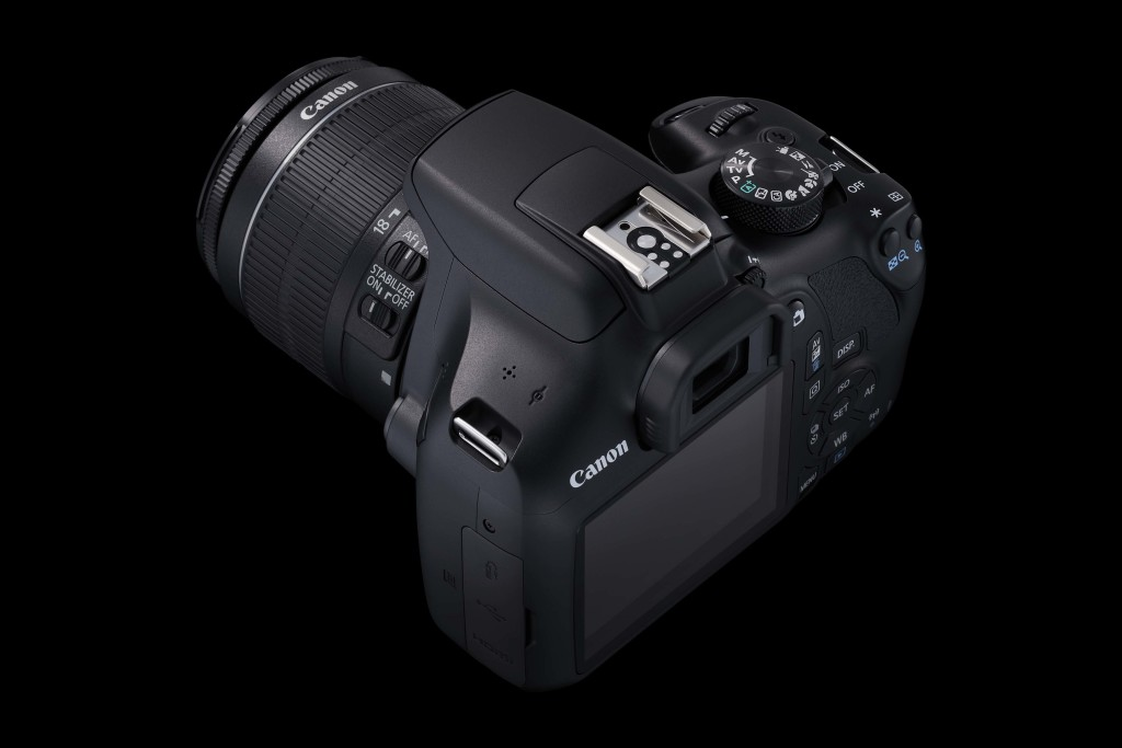 EOS 1300D EF-S18-55 IS II BK TOP BEAUTY 02